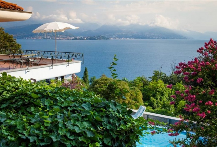 Buy property, for sale . Italy, Lake Maggiore (Piedmont) , Stresa