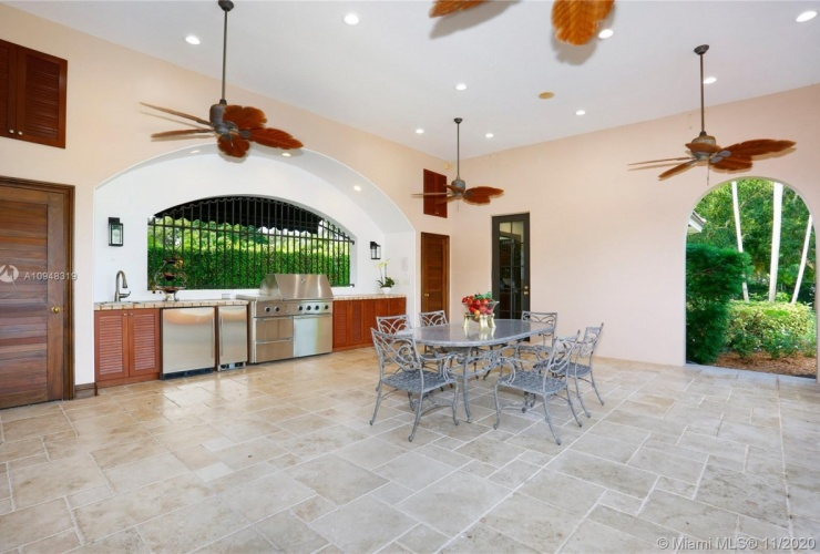 Buy property, for sale . USA, Miami, Pinecrest
