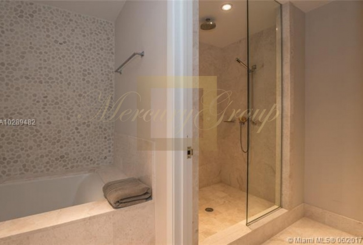 """For sale luxurious apartments with """"smart house"""" function in Sunny Island Beach, Miami, the USA  Photo 7"""