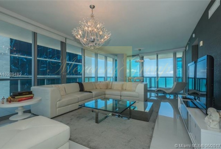 """For sale luxurious apartments with """"smart house"""" function in Sunny Island Beach, Miami, the USA  Photo 1"""