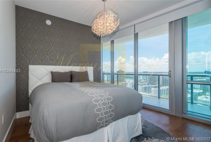 """For sale luxurious apartments with """"smart house"""" function in Sunny Island Beach, Miami, the USA  Photo 10"""