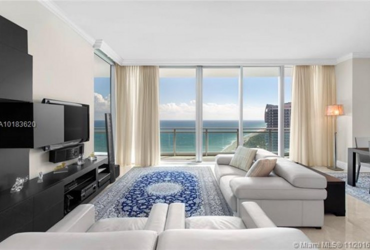 Buy property, for sale . USA, Miami, Bal Harbour