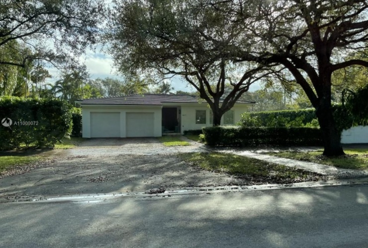 Buy property, for sale . USA, Miami, Coral Gables